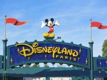 August 2015 Paris Disneyland Mickey Sign