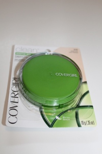 CoverGirl Clean Sensitive Skin Powder Foundation